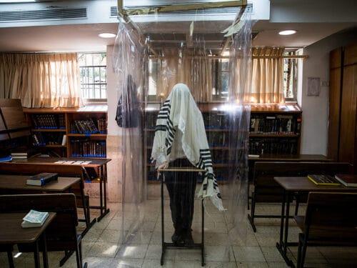 Минздрав склоняется к тому, чтобы с 1 ноября открыть синагоги