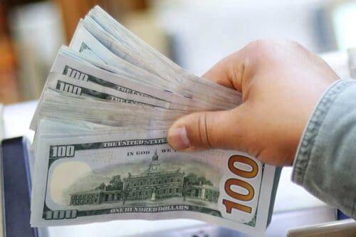 Доллар пробил в Израиле очередное дно