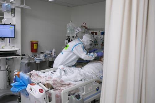 5 449 новых диагнозов за понедельник: в Израиле прошли первые сутки блокировки