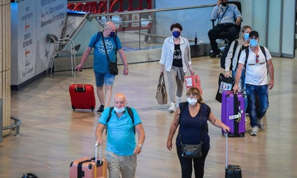 Министерство здравоохранения Израиля подсчитало, сколько израильтян приедут в течение месяца в страну из заграничных поездок с коронавирусом