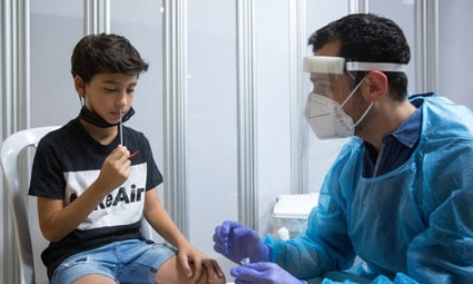 В минздраве Израиля подтвердили — непрошедшие «бустерную» вакцинацию лишатся «зеленых паспортов»