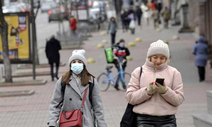 Таких цифр не было за всю пандемию: в Украине второй день подряд коронавирус бьет новые рекорды